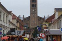 去勃兰登堡州的首府古都波茨坦品尝德国菜喝德国黑啤酒和热红酒