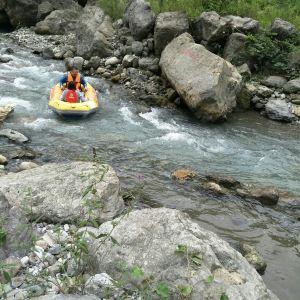 西岭峡谷漂流旅游景点攻略图