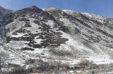 口门子山路雪景
