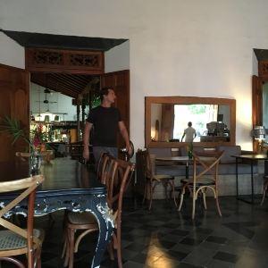 Espressonista Specialty Coffeebar and Restaurant旅游景点攻略图