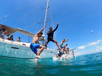 鴻洲国際游艇会