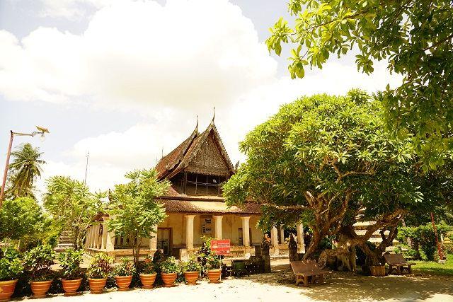 Wat Samraong Knong1