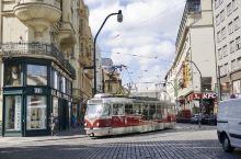 真的不在布拉格广场高歌一曲吗