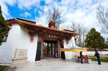 拉萨罗布林卡,是历代达赖喇嘛避暑的夏宫