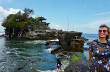 充满信仰的巴厘岛建在海上的海神庙