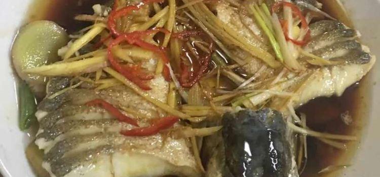 聰哥雞湯火鍋河堤夜市店2
