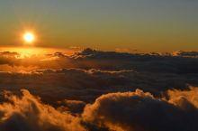 休眠火山哈莱阿卡拉 一直想去一座火山一探究竟,听到火山总感觉有些害怕,但是那种场景确实可以震撼到自己