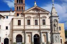 罗马探索发现:一座酷似巴黎圣母院的教堂  很像巴黎圣母院的教堂  圣巴尔多禄茂圣殿位于罗马的一个小岛