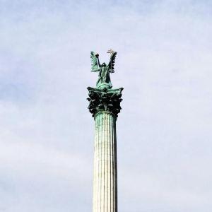 英雄广场旅游景点攻略图