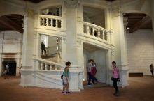 天才的设计:香波堡的双重旋转楼梯