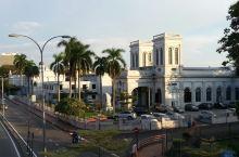槟城官仔角附近的著名建筑,蓝屋两处教堂和爱情巷,浓郁的南洋风