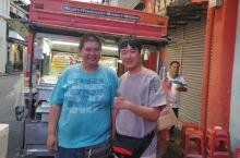 吃货眼中的马六甲 鸡场街街尾,知名老二串串,他家的辣椒酱真把我吃哭了😊 古城鸡粒饭,他们家的玻璃叉烧