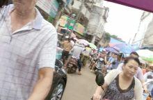 小城市来的更热闹,小街小道的平民风才是这个城市最真实的一面。