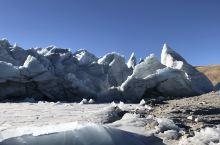 冰川零距离……神奇 1月28日,星期日,这是离开拉萨出来的第二天,早上5点钟,天还是如夜晚满天星星,