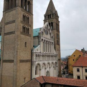 Pecs Cathedral旅游景点攻略图