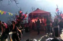 丹巴藏族婚礼上的舞蹈
