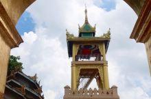 马哈木尼佛塔,青铜铸成的佛塔,在曼德勒市中心