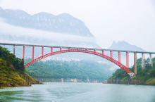 十里画廊清江大峡谷