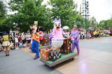上海迪士尼花车巡游,我全年的尖叫都献给他