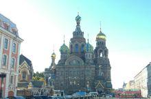 从大教堂窥探圣彼得堡