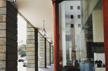 大乡里进城,在科伦坡的时髦住店