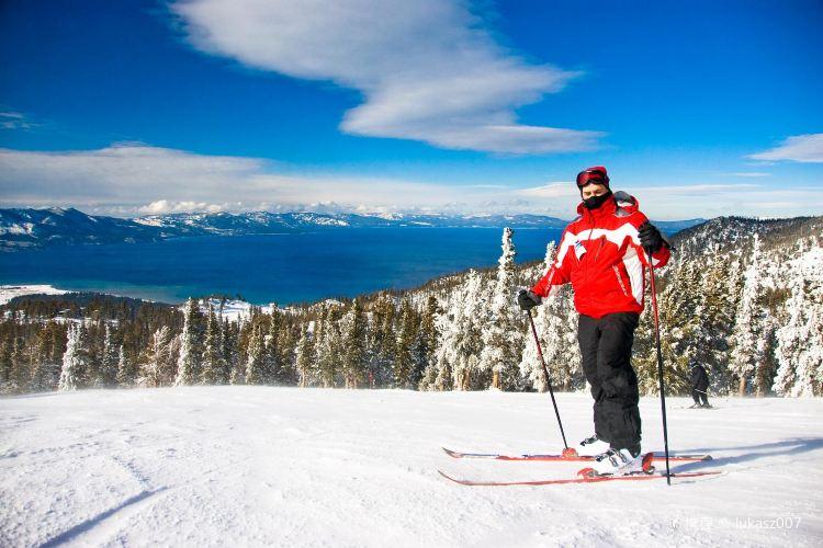 Heavenly Ski Resort1