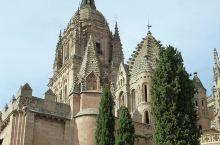 新旧结合,打造另类独特的萨拉曼卡大教堂  萨拉曼卡大教堂可以说是西班牙美术史上的一大杰出代表,它由新