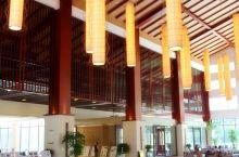 值得一去的酒店——五峰国际大酒店  五峰国际大酒店位于渔洋关镇三房坪村,新政府大楼对面;距离宜昌城区