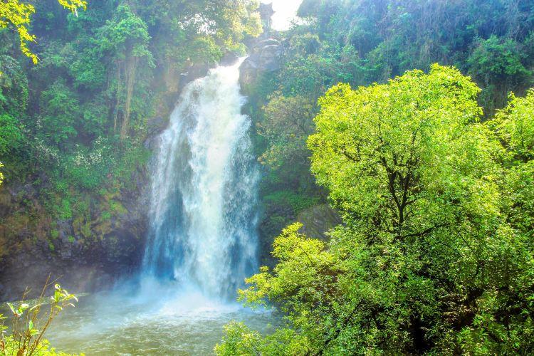 疊水河瀑布