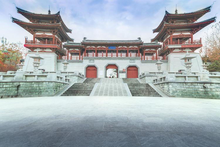 Qinglong Temple