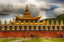 金碧辉煌的萨迦派寺庙——木雅金塔#向往的生活