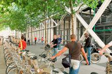 这个城市的人,居然10年前就开始骑共享单车了!