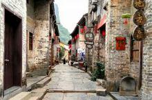 第一感觉黄姚古镇有鼓浪屿的相似,大街小巷是它特有建筑精心装束