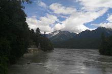 从雅鲁藏布江大峡谷到米堆冰川