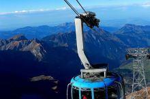 搭360度旋转缆车登上铁力士山