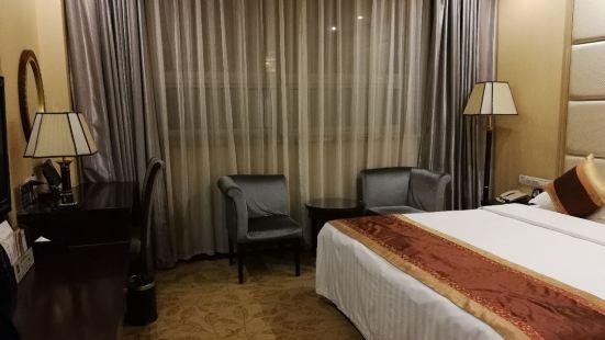 金色夏日商務酒店餐廳