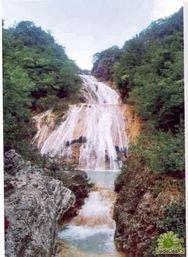 七叠飞瀑旅游景点攻略图