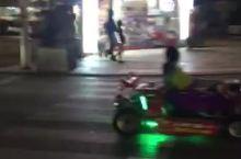 冲绳那霸国际通的夜景,老年人越夜越精彩