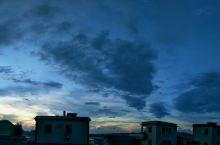 落日前后的美丽乡村