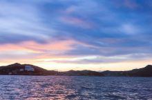 这是我在台州温岭石塘的海上拍的落日余晖