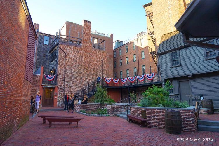 The Paul Revere House2