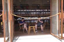 孤独图书馆