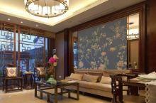 金陵城一个卖中式家具的地方,很漂亮