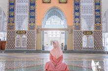 #冬日旅行穿搭指南#水上清真寺,体验一把穆斯林妇女服装