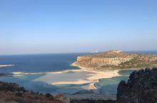 会变颜色的沙滩 这次去希腊游玩,朋友告诉我基萨莫斯Balos Beach and Lagoon是我这