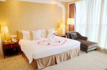 值得一去的酒店——江阴龙希国际大酒店  江阴龙希国际大酒店设有各类舒适、高档的客房,能满足不同宾客的
