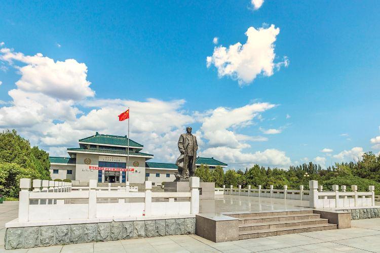 烏蘭夫紀念館