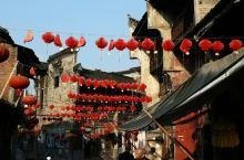 青黛砖,斑驳墙,条石街。四月,湖南新化上梅古镇