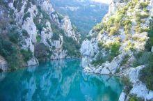 接着,14:30 前往凡尔登大峡谷(Gorges du Verdon)和圣十字湖(Lac de Sa