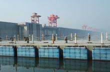 长江三峡之…升船机,三峡大坝。